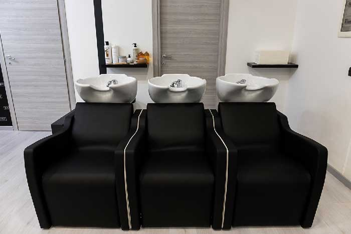 Salone parrucchiere backstage easyflair for Arredamento parrucchieri usato
